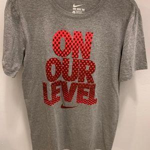 Nike Short Sleeve Crew Neck T-Shirt -Size S (EUC)